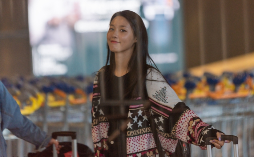 24/04/18 – AOA SEOLHYUN'S ARRIVAL AT PARIS CDG AIRPORT (10 PHOTOS)